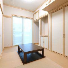 ハウスカの手にかかると昔ながらの作りの和室でも、シンプルでナチュラルな雰囲気に仕上がります。