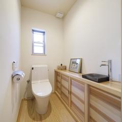 清潔感溢れる手洗い空間。