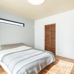 清潔感溢れる寝室。