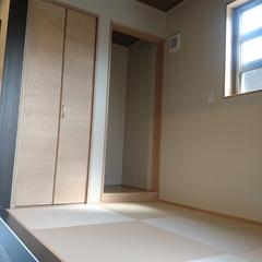 和モダンな小上がり 畳は埼玉県三郷市の恩田工務店まで!
