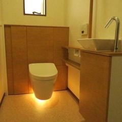 和モダンなトイレは埼玉県三郷市の恩田工務店まで!