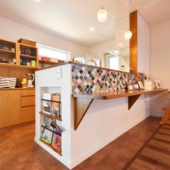 八尾市で建てるタイルがかわいいカフェ風キッチンのある家