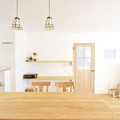子育て家族が暮らすナチュラルで優しい色のカフェみたいな注文住宅