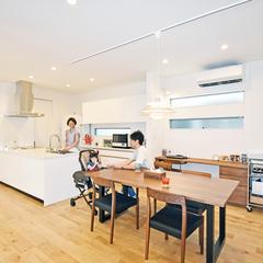 注文住宅で叶える白いオープンキッチンがかっこいいお家
