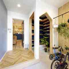 注文住宅で叶える収納アイデアが充実した広々玄関
