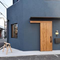 塗り壁がかっこいいおうちアウトドアができる家にリノベーション