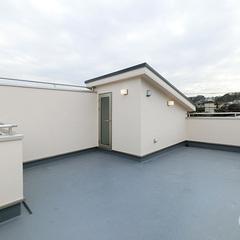 シンプルな屋上は神奈川県横浜市の横浜建物まで!