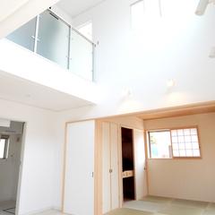 シンプルな吹き抜けは神奈川県横浜市の横浜建物まで!
