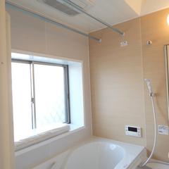 ナチュラルな浴室は神奈川県横浜市の横浜建物まで!