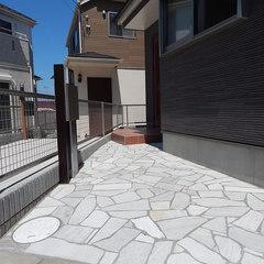 機能門柱、表札、ポスト、照明や玄関アプローチの敷材まで選べる家づくり