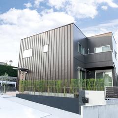 シックでシンプルなデザインのお家