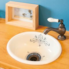 トイレの造作手洗いカウンター
