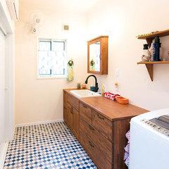 お家の雰囲気に合わせた収納力ある洗面所
