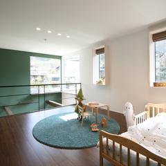 光りと開放感が見守る高性能住宅の北欧風子供部屋