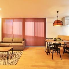 家具付き北欧住宅のTRETTIO GRAD(トレッティオグラード)のLDK