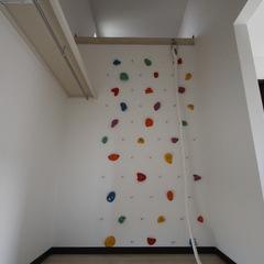 遊び心のあるシンプルモダンな子供部屋