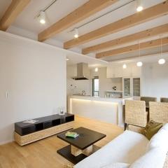 自然素材を使用した家具が似合うナチュラルなLDK