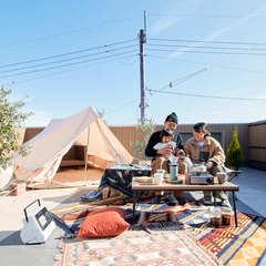 屋上庭園で家族団らんが楽しめる明るく開放的な暮らし