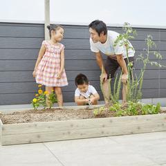 親子でガーデニング&家庭菜園を楽しむ屋上庭園