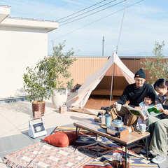 空と光と爽やかな家族時間屋上庭園のある暮らし