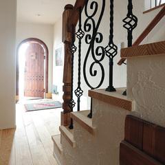 存在感のあるデザイン性のある階段手すり