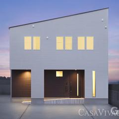片流れでスッキリシルエット、窓でデザインを取る家