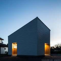 シンプルでかっこいい外観の、窓がないお家の写真