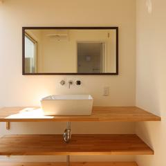 自然素材を活かした造作洗面台