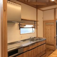 家族の温もりを感じながら暮らせる使いやすいキッチン