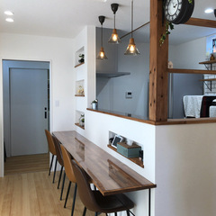 カフェ風インテリアのキッチンカウンター