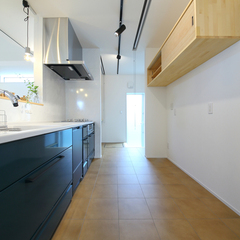 キッチンに造作食器棚