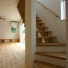 リビング階段で明るく広々空間