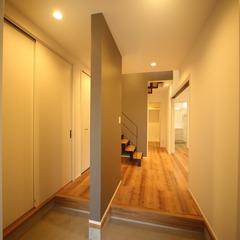 ファミリー玄関で玄関をわけてすっきり空間