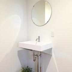無駄のないシンプルなデザインが魅力の造作洗面台。福富住宅の注文住宅「あたたかい家」