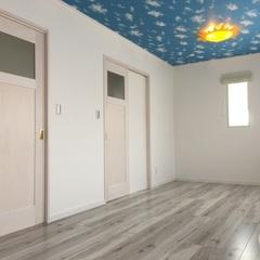 空柄の天井&太陽のライトでワクワクする子供部屋に。福富住宅の注文住宅「Jewel Box-House」