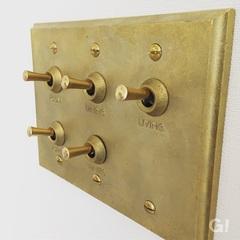 真鍮製の照明スイッチでおしゃれをプラス。福富住宅の注文住宅「Jewel Box-House」