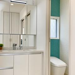 清潔感のある明るい洗面所。足利市・福富住宅の注文住宅「音を奏でる家」
