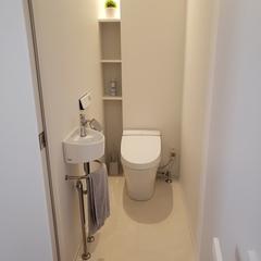 無垢材とビニルタイルでトイレの床をおしゃれに。北欧デザイン規格住宅TRETTIO GRAD(トレッティオグラード)