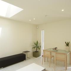 美しい規格住宅の趣のある天窓がオシャレを倍増させるリビング♪