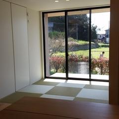 琉球畳が映える見渡せる美しい規格住宅の和室