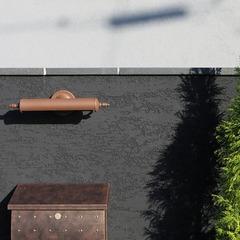 アンティーク調のポストがお洒落でカッコいい!繊細で上品なシンプルモダンな家