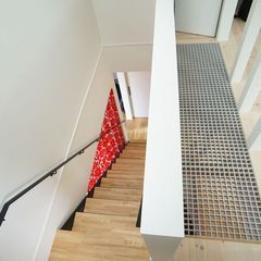 自然素材の魅力タップリ!優しさ広がる北欧スタイルの2階ホール