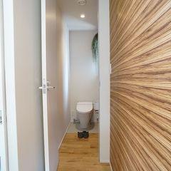 繊細で上品な白い空間がスタイリッシュで美しい!シンプルモダンなトイレ