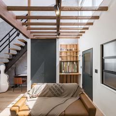 デザイン住宅のモダンアメリカンテイストのおしゃれなリビング