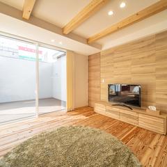 デザイン住宅の木の匂いがあふれる心地良いリビング