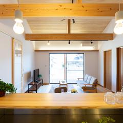 岐阜県産材を贅沢に取入れた天井の強靭な梁
