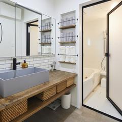 ブルックリンテイストのオシャレな洗面所のある暮らし