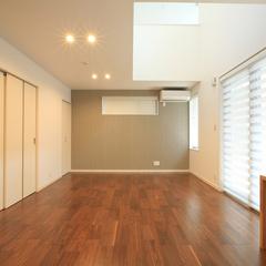 素朴なデザインのシンプルな空間のある暮らし