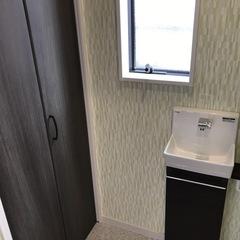トイレにあるおしゃれなデザインの収納