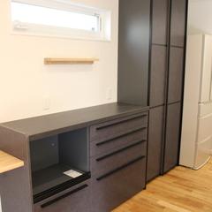 使い勝手のいい収納がおしゃれな空間を創りだす!シンプルモダンなキッチン